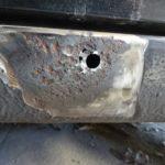 縦目ベンツのサイドシル錆穴修理(その4)