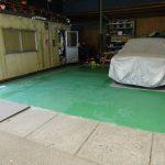 保管場所床の塗装(1回目)