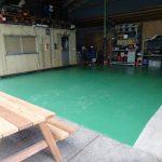 保管場所床の塗装の仕上がり確認とエリシオンのホーンの配線確認