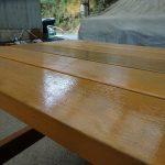 床掃除の道具とベンチ塗装