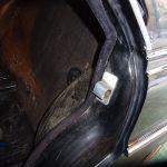 縦目ベンツのリアトレイ内装仕上と運転席側ドア枠モールの仮付け