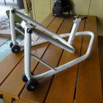 バイク用フロントスタンドのクリヤー塗装から組み立て完成へ