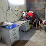 作業机周りの整理整頓と照明追加