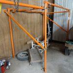 サンバーのエアコンガス補充と新設小屋の補強